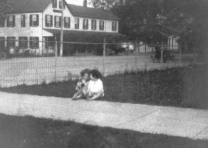 1930-1939 Two children on courthouse lawn