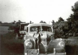 1930-1939 Child on an old car, Mutual