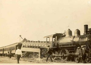 1920-1929 Train wreck at Owings
